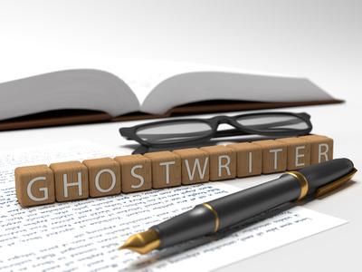 Ghostwriter mit Würfeln geschrieben